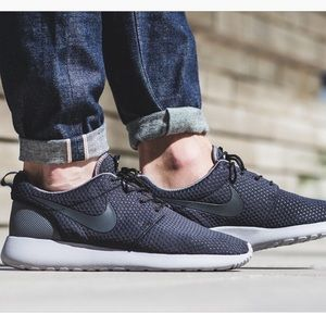 Men's Nike Roshe One SE